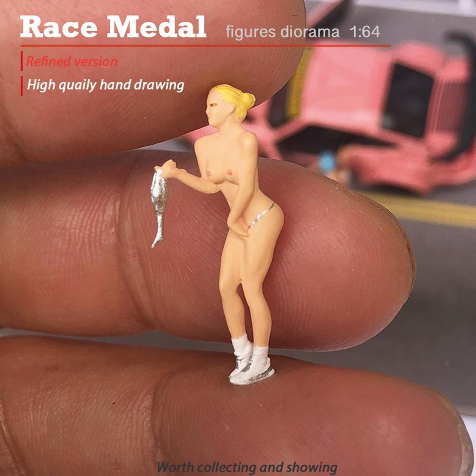 miniature 24 - RACE MEDAL 1:64 Scale Resin Figures Female Doll Train Model Layout Decor