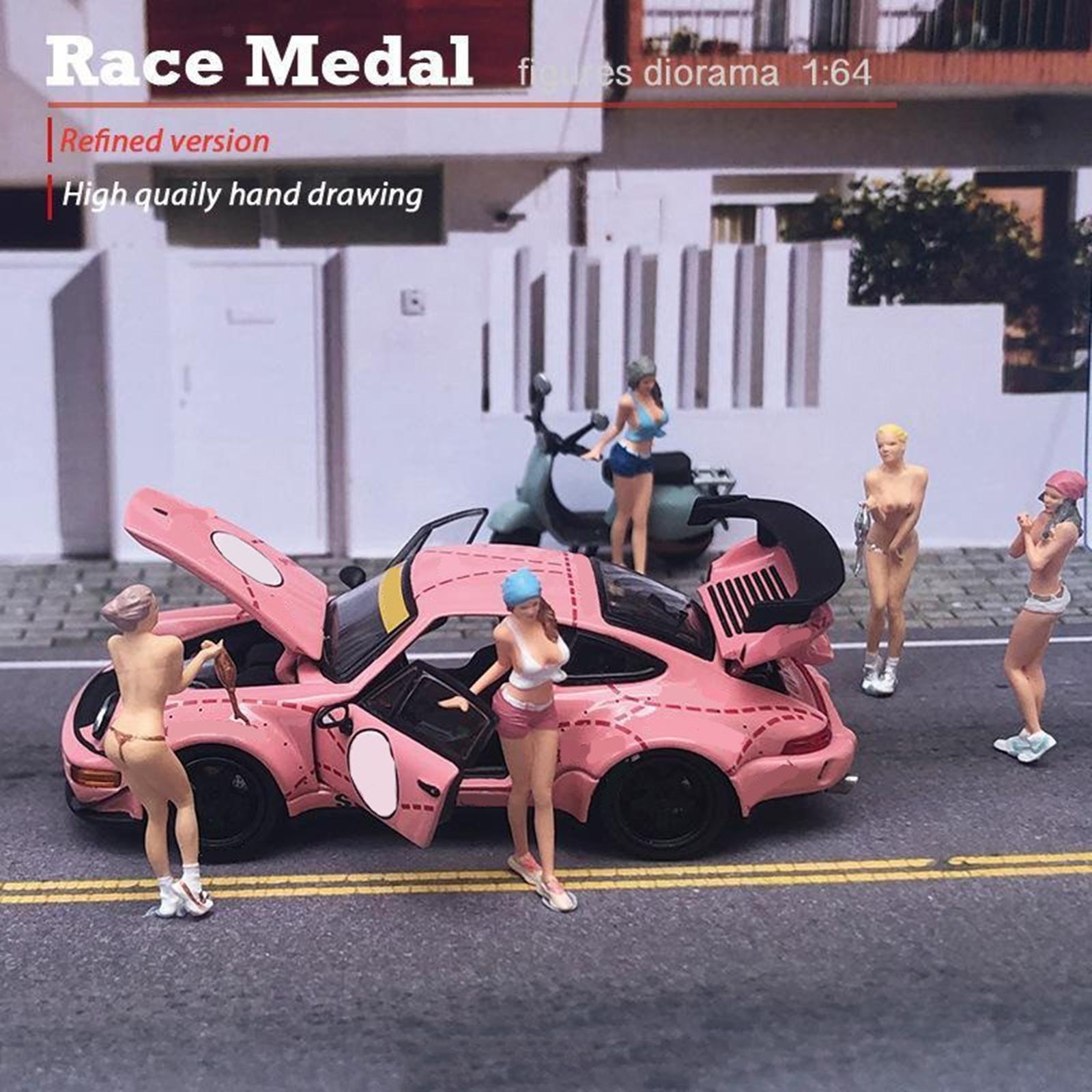 miniature 8 - RACE MEDAL 1:64 Scale Resin Figures Female Doll Train Model Layout Decor