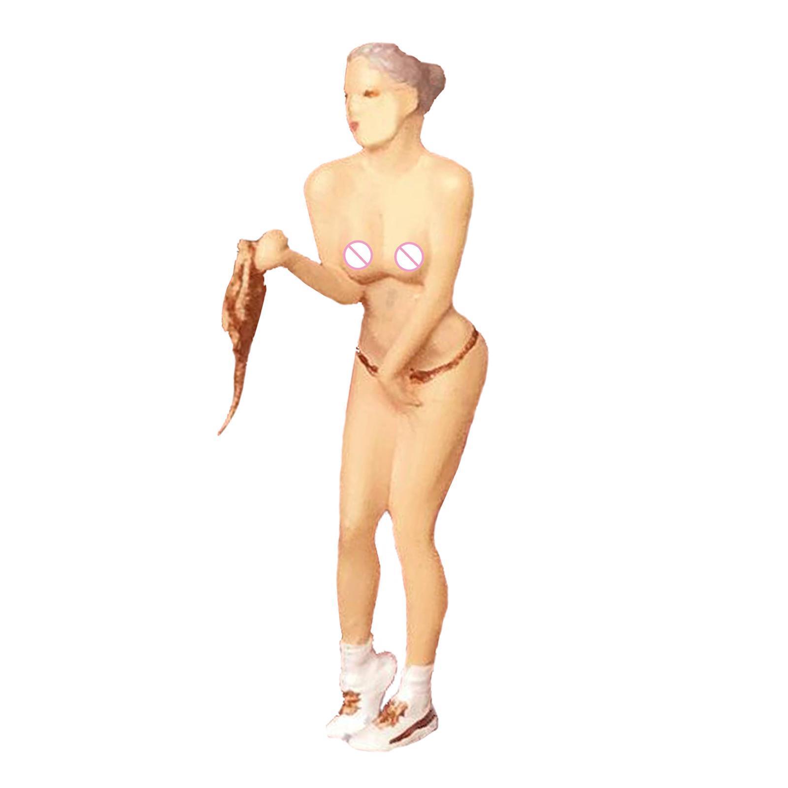 miniature 14 - RACE MEDAL 1:64 Scale Resin Figures Female Doll Train Model Layout Decor