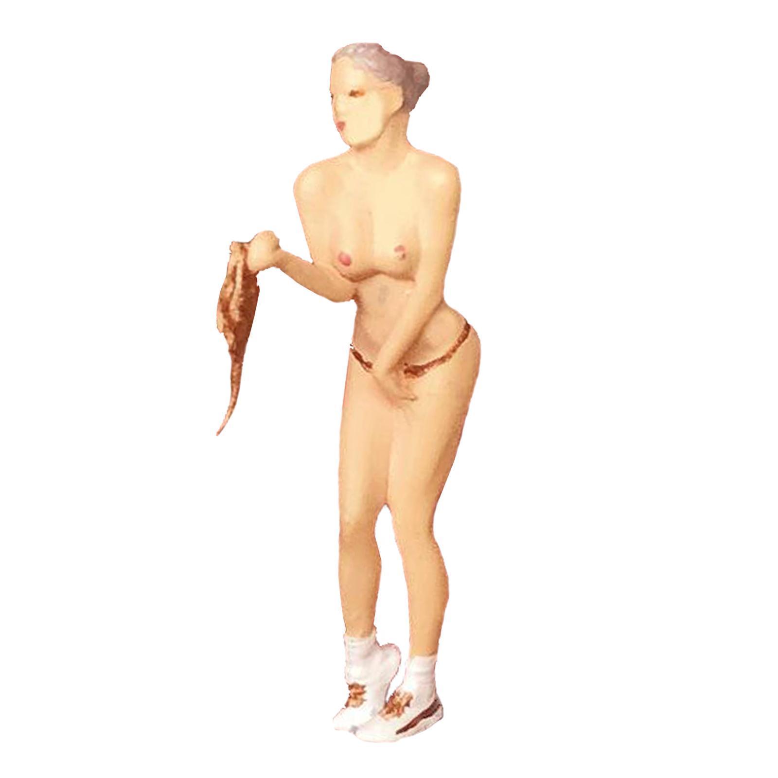 miniature 9 - RACE MEDAL 1:64 Scale Resin Figures Female Doll Train Model Layout Decor