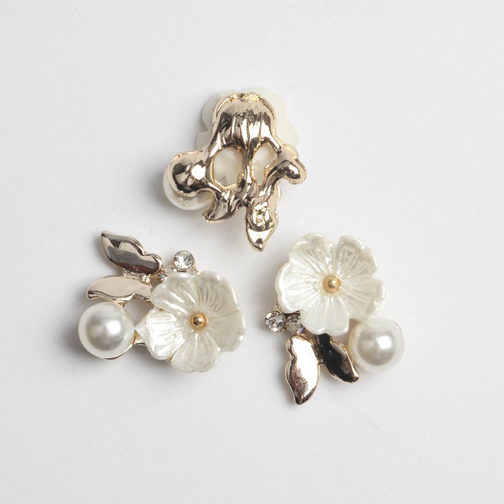 10-Stuecke-Flatback-Perle-Blume-Kristall-Strass-Knoepfe-Verzierung-Faltback Indexbild 3