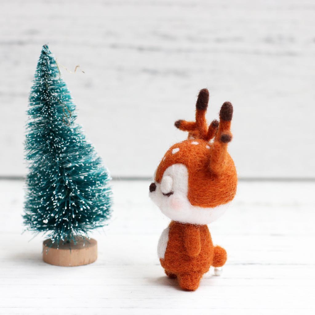 DIY Package Wool Felt Craft Needle Felting Animal Kit Christmas Box Castle